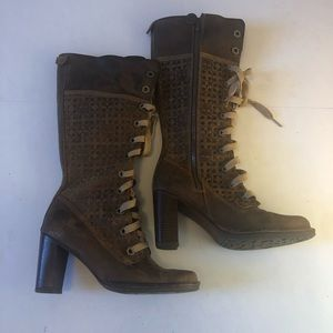 Timberlands womens heel boots sz9 great condition